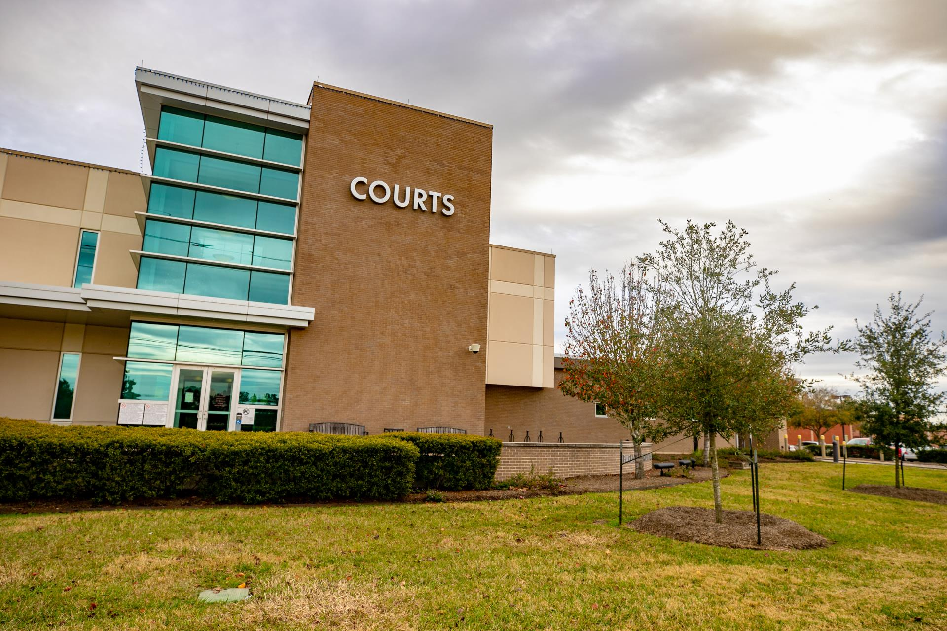 Pearland Courts and PD Execute Texas Warrant Roudup